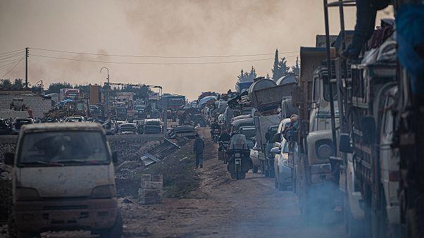 İdlib'den 1,5 milyon civarında sivilin daha Türkiye sınırı yakınlarına göç etmesi bekleniyor