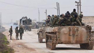 نیروهای ارتش سوریه در تل طوقان واقع در ۱۰ کیلومتری سراقب در استان ادلب