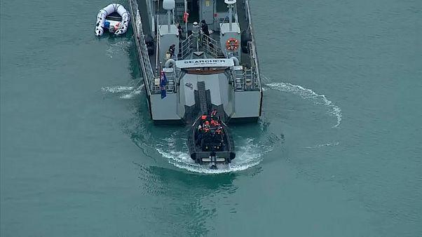 Мигранты продолжают штурмовать британский берег