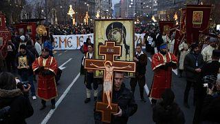 Karadağ'da Sırplar 'Dini Özgürlükler Yasası'nı protesto için sokakta