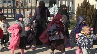 دهها کودک بیسرپرست مرتبط با داعش تحویل هیات روسیه شد