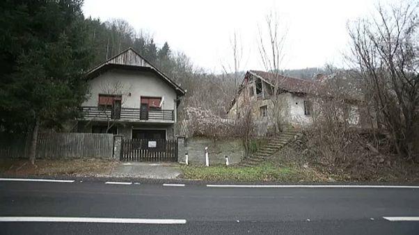 منازل مهجورة في قرية أوروس ترينوفيتش شرقي صربيا
