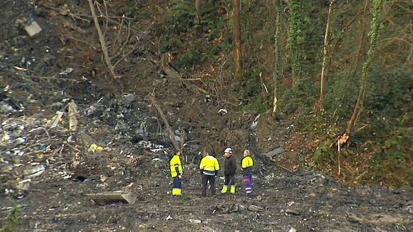 Buscan a dos desaparecidos en Vizcaya al derrumbarse un vertedero industrial que contenía amianto
