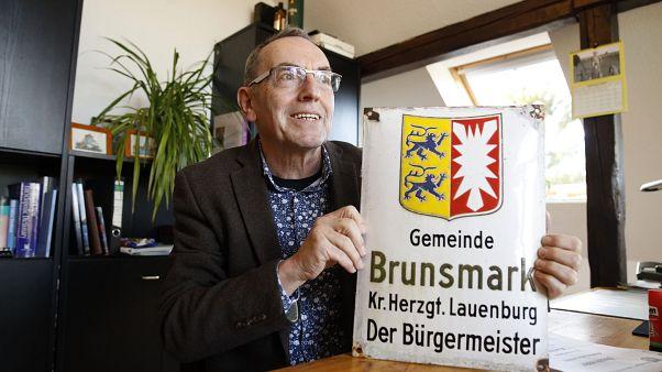 """""""بريكست"""" يجرّد عمدة قرية في شمال ألمانيا من منصبه.. تعرّف على السبب"""