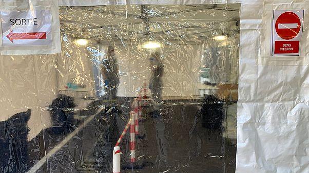 Un des points de sortie du centre de confinement dans un centre de vacances à Carry-le-Rouet, dans le sud de la France, le 1 février 2020.