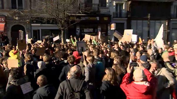 Climat : lycéens et étudiants dans les rues de Bruxelles pour exiger des mesures