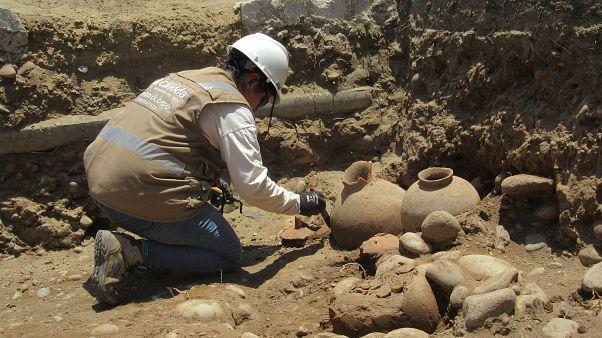 في بيرو.. حفروا لتركيب أنبوب غاز فوجدوا مقبرة عمرها 1800 عام