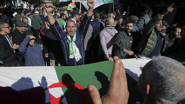 حراك الشارع الجزائري يستعد لإطفاء شمعته الأولى