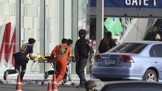 Amoklauf beendet: Mindestens 26 Tote, Täter erschossen