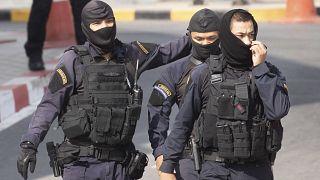 """مقتل 27 شخصا بينهم المهاجم في مجزرة """"غير مسبوقة"""" بسبب """"بيع منزل"""" في تايلاند"""