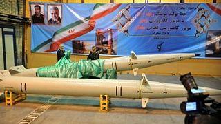 سپاه پاسداران ایران از موشک و پیشرانهای ماهوارهبر جدید رونمایی کرد