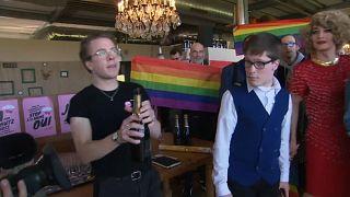 LGBT-Community freut sich über Referendumsergebnis