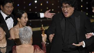 'Parasite (Parazit)'in yönetmeni Bong Joon Ho, En İyi Film Oscar'ını alırken coşku dolu anlar yaşadı