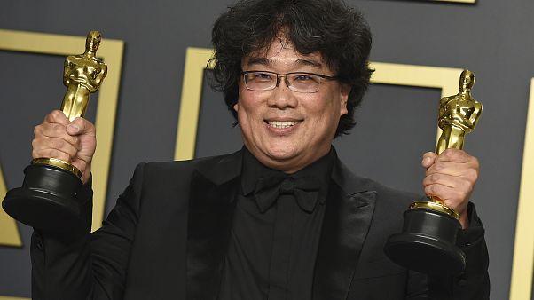 La cinta surcoreana se hace con el Óscar a mejor película y mejor filme extranjero
