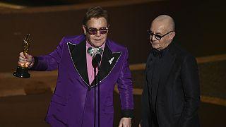 Glamur y mensajes contundentes en los Óscar 2020