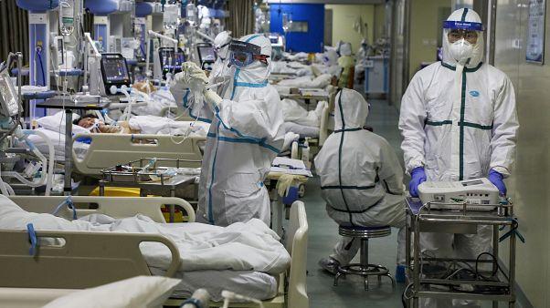 وحدة العزل والعناية المركزة بمستشفى ووهان في الصين