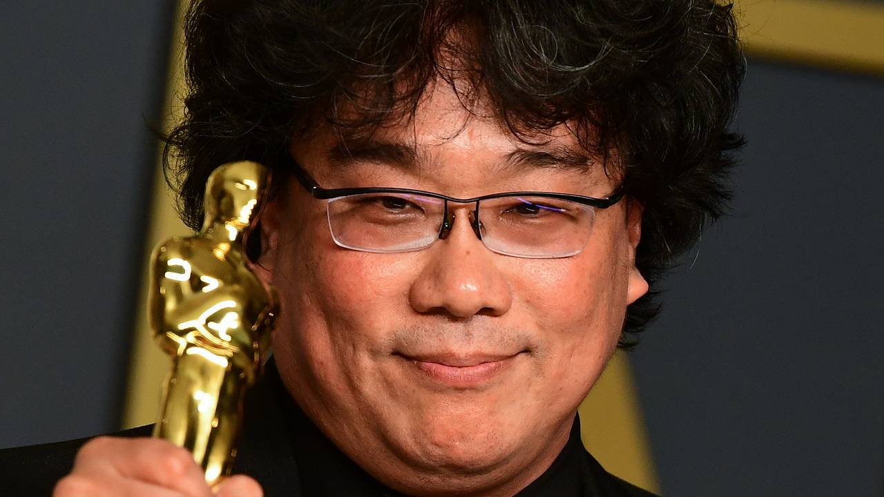 """""""Parasite"""" director Bong Joon-ho pose during the 92nd Oscars at the Dolby Theater in Hollywood, California on February 9, 2020."""