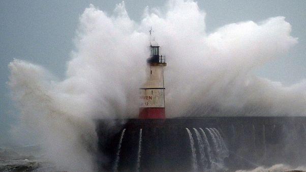 عاصفة سيارا التي تجتاح أوروبا