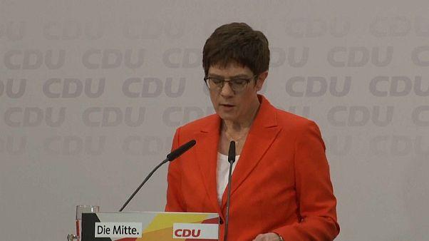 """La """"sucesora"""" de Merkel renunciará tras el pacto """"imperdonable"""" con la ultraderecha en Turingia"""