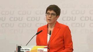 Lemond a CDU elnöki tisztéről Annegret Kramp-Karrenbauer