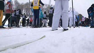 En Russie, tous sur les skis pour fêter l'hiver