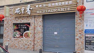 """Cuarentena voluntaria en el Chinatown español: """"Si alguien se infectase, todo el barrio lo pagaría"""""""