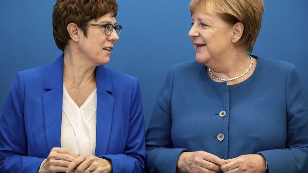 Almanya'da siyasi kriz: Başbakan Merkel'in yerini alması beklenen Annegret Karrenbauer'den geri adım