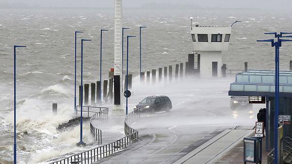 """شاهد: عاصفة """"سيارا"""" تضرب ألمانيا"""