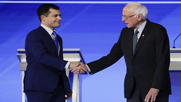 المرشحان للانتخابات التمهيدية للحزب الديمقراطي الأمريكي بيرني ساندرز وبيت بوتيدجيدج