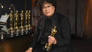 El director Bong Joon-ho ganador de los Oscar al mejor Guión, mejor Película Extranjera, Dirección y Mejor Película.