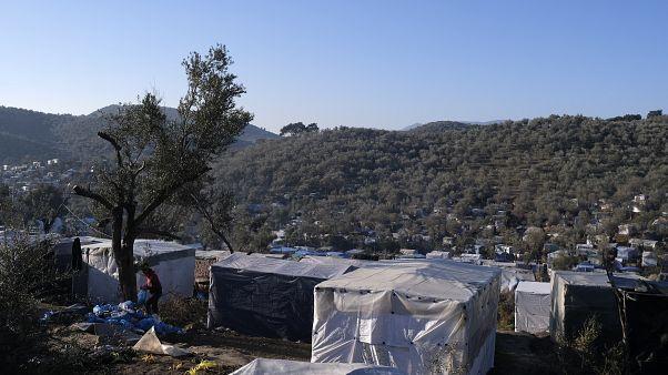 Επιτάσσονται εκτάσεις και ακίνητα για τη διαχείριση του μεταναστευτικού