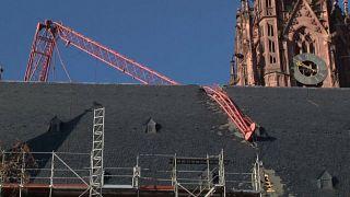 """شاهد: كاتدرائية فرانكفورت في """"عين العاصفة"""" """"سيارا"""""""
