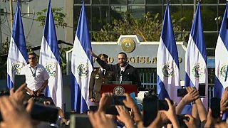 El Salvador, soldati in parlamento per smuovere i lavori dell'Assemblea