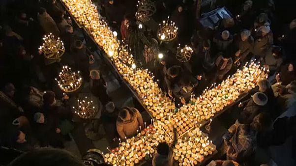 شاهد: بلغاريون يحتفلون بشفيع مربي النحل ويباركون جرار العسل