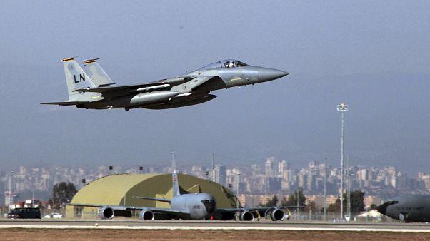 Adana'daki İncirlik Üssü'nden kalkış yapan Amerikan F-15 uçağı