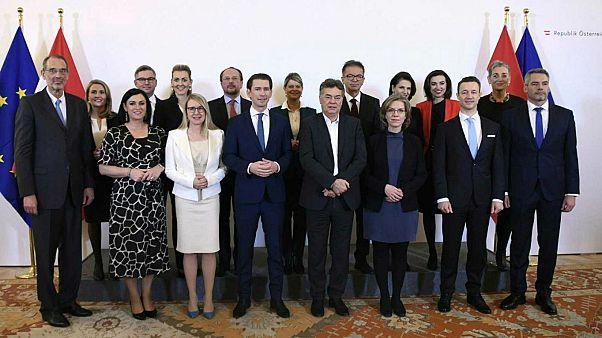 الحكومة النمساوية بعد أدائها اليمين الدستورية