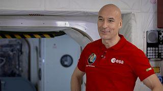 """Luca Parmitano: """"Siamo sulla buona strada per tornare sulla Luna. E poi toccherà a Marte...""""."""