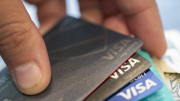 Avrupa'da 37 ülkede yapılan araştırmaya göre ödeme güvenliği endişesiyle internetten alışveri yapmayanlar listesinde Türkiye ikinci sırada yer aldı.