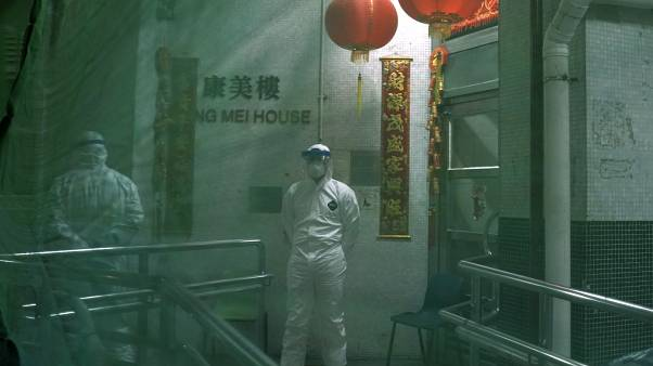 Yeni tip koronavirüs (NCP) Çin'de son 24 saatte 108 can aldı; ölü sayısı 1017'ye yükseldi