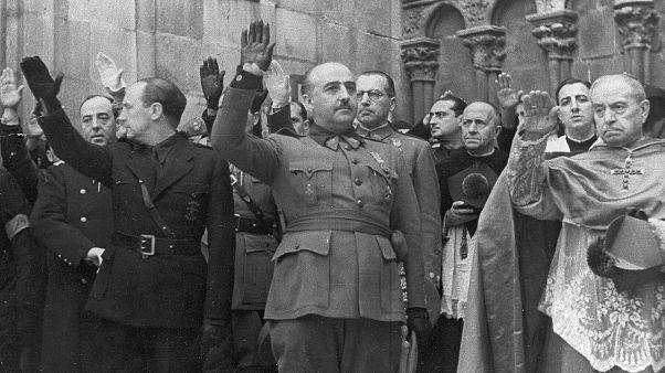 Ισπανία: Η κυβέρνηση θα απαγορεύσει με νόμο την εξύμνηση της δικτατορίας Φράνκο