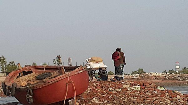 ۱۴ نفر در پی واژگون شدن قایق حامل پناهجویان روهینگیا جان باختند