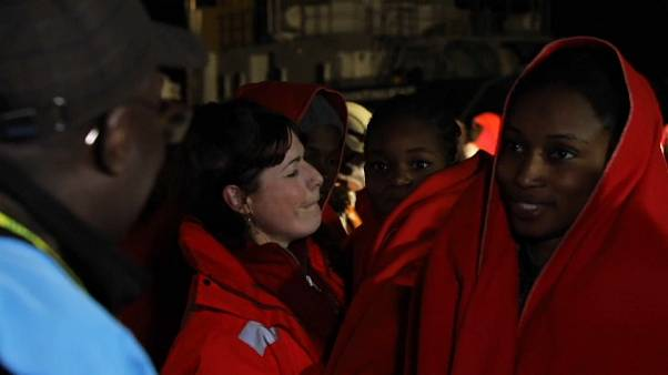 Salvamento Marítimo busca a 67 migrantes en el mar de Alborán, tras rescatar a 119