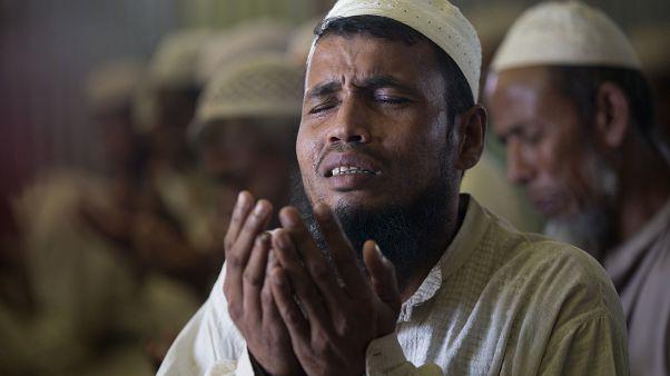 2017 yılında Myanmar ordusu ve silahlı grupların saldırıları sebebi ile 700 binden fazla Arakanlı Müslüman Bangladeş'e sığındı
