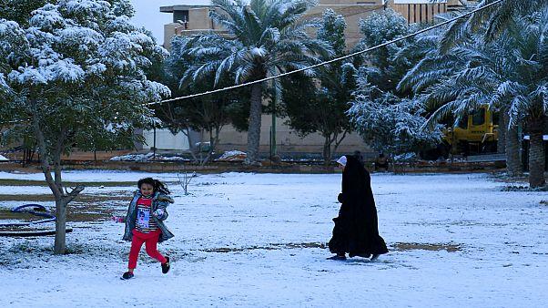 تساقط الثلوج في بغداد
