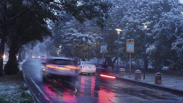 Sehr seltene Bilder: Schnee in Bagdad