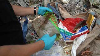 Greenpeace Itália descobre 1300 toneladas de lixo italiano na Malásia