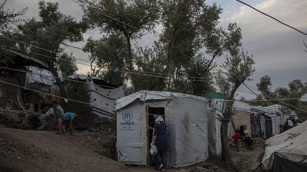 Μεταναστευτικό: 9,5 εκατ. ευρώ σε δήμους - Συνεχίζονται οι αντιδράσεις