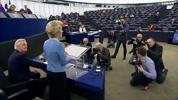 Eurodeputados debatem futura relação com o Reino Unido