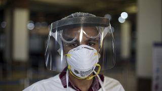 OMS pede ação para travar surto mundial do coronavírus
