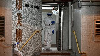 Coronavirus, a Hong Kong evacuato edificio per paura che il virus viaggi nelle tubature